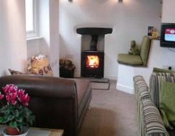 Lake District Cottage with Wood Burning Stove