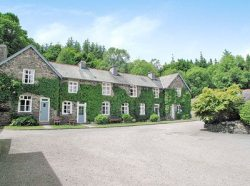 self catering in windermere with swimming pool