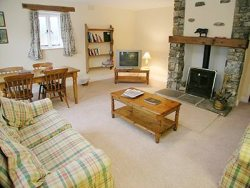 self catering lake district dog friendly with swimming pool