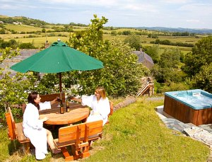 cumbria cottage with hot tub