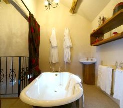 Cockermouth Cottage with hot tub and aga