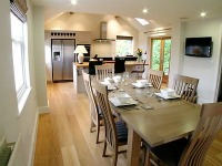 contemporary cottage available for Christmas