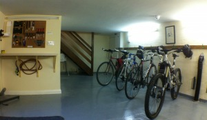 Indepenent Hostel with secure bike storage