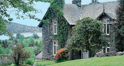 Hawkshead Cottage sleeps 10